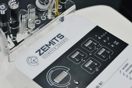 8 in 1 Facial Machine Zemits Verstand 8.1